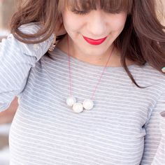 Less is more with this simple bead necklace inspired by Marc Jacobs — perfect for summer!