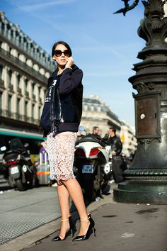 lace skirt at the sartorialist The Sartorialist, Sporty Chic, Black And White Outfit, Star Fashion, Womens Fashion, Fashion 2018, White Lace Skirt, Street Style, Parisian Chic