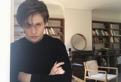 Christine Stewart, Androgynous Women, Christine And The Queens, Gay, Tomboy Fashion, Hair Today, Female Bodies, Beautiful People, Short Hair Styles