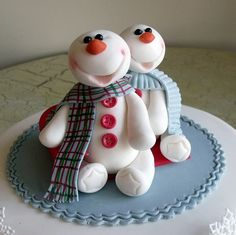 Mr and Mrs Snowman Cake
