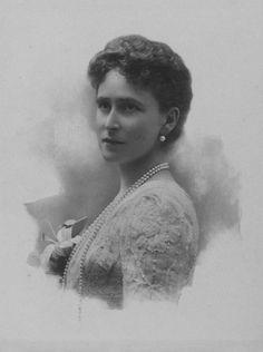 """Grand Duchess Elizabeth Feodorovna, 1900 """