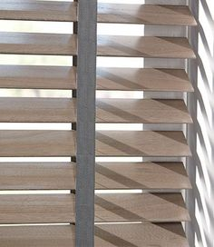 Could match the blinds with the floor? Curtains With Blinds, Home Living Room, Interior Windows, Window Decor, House Styles, Home Deco, Wooden Blinds, Wood Blinds, Blinds