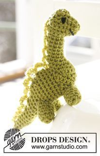 """Dino - Crochet DROPS small dinosaur in """"Safran"""" and large dinosaur in """"Paris"""". - Free pattern by DROPS Design"""