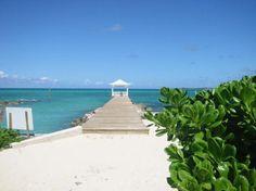 Risultato della ricerca immagini di Google per http://media-cdn.tripadvisor.com/media/photo-s/00/13/50/dc/gazebo-at-the-beach.jpg