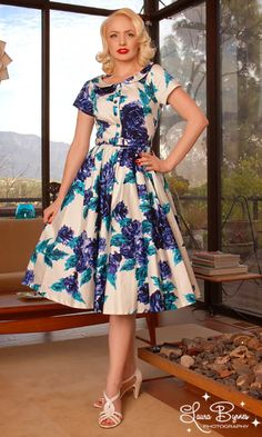 Google Image Result for http://teacupsandcouture.files.wordpress.com/2010/07/deedee-dress-blue-floral.jpg