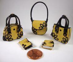 Miniaturas bolsos: Bolsos combinados con flores en relieve