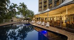 DoubleTree by Hilton Darwin Darwin DoubleTree by Hilton Darwin offers relaxed accommodation in a central location, overlooking Darwin Harbour and the Esplanade. Features include an outdoor swimming pool, restaurant and poolside bar.
