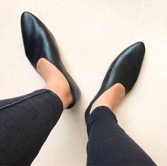 Rilee Schuhe Minimal schwarz Leder Spitzen asymmetrische