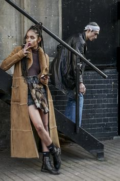 The Best Street Style at London Fashion Week's Fall-Winter 2020 Shows Cool Street Fashion, Street Style, Young Designers, Gq, Milan, Fall Winter, Punk, Good Things, Costumes