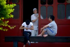 Chinese Muslims waiting for Eid prayers 2014