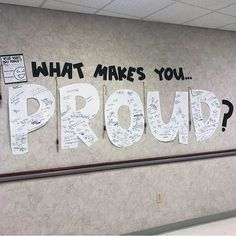 ⭐️🎉 End of Year / Open House Bulletin Board Idea: What makes you PROUD? We've already shared a lot of great ideas from… Interactive Bulletin Boards, Winter Bulletin Boards, Classroom Bulletin Boards, School Classroom, Preschool Bulletin, Leadership Bulletin Boards, Counselor Bulletin Boards, Health Bulletin Boards, Pta School