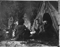 Around the Camp Fire, Caribou hunting series, Montreal, QC, 1866 William Notman century Silver salts on glass - Wet collodion process Caribou Hunting, Native American Indians, Native Americans, Aboriginal People, Mountain Man, Historical Pictures, First Nations, Online Art, Camp Fire