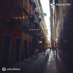 """""""Domenica uggiosa al Quadrilatero""""  #Torino raccontata dai cittadini per #inTO. Foto di sofia.delduca #urban #archilovers #rainyday #rain #sunday"""