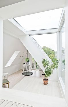 Se forvandlingen – fra rodebunke til toptunet familiehus Interior Architecture, Interior And Exterior, Interior Design, Classic House, House Rooms, Cheap Home Decor, My Dream Home, Home And Living, New Homes