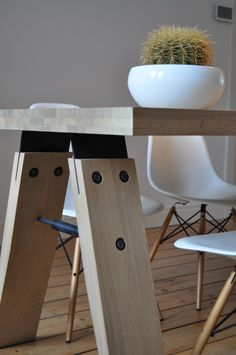 De Brach van Marc Th. van der Voorn http://www.odesi.nl/branch-tafel