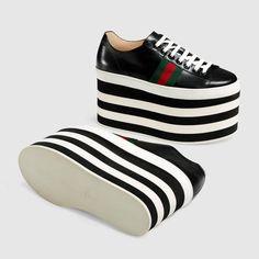 Leather low-top platform sneaker - Gucci Women's Sneakers 452312D3VN01060