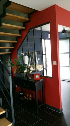 Verrière sur cloison plâtre sous escalier