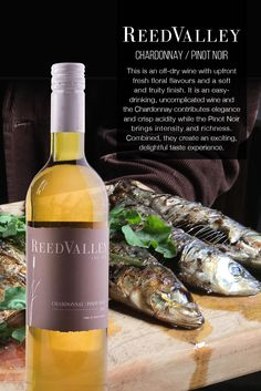 ReedValley Wine in South Africa offers reds that are dark and spicy, yet elegant, and fresh and fruity whites, perfect for everyday enjoyment. Pinot Noir, Crisp, Wine, Food, Wine Pairings, Essen, Meals, Yemek, Eten
