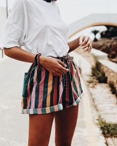 Yasss girl! Hands up who loves rainbow shorts?! :D | How to Make The Most Basic Outfit Look Good