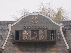 At the end of my photo walk through Goslar I came across this Glockenspiel placed at the Kaiserringhaus of Goslar. Saxony Anhalt, Rhineland Palatinate, Lower Saxony, North Rhine Westphalia, Photo Walk, Germany Travel, Musical Instruments, Blessed, Castle