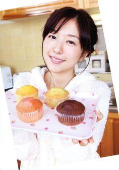 茅野愛衣 Ai Kayano, Voice Actor, Pose Reference, The Voice, Kawaii, Lovers, Cute, Girls, Anime