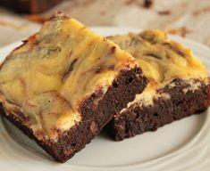 Υπερ-σοκολατένιο+brownie+με+επικάλυψη+cheesecake Cupcake Cakes, Cupcakes, Cheesecake Brownies, Cheesecakes, Delicious Desserts, Good Food, Spices, Sweets, Sugar