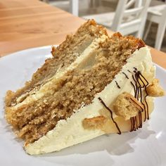 """5,966 Likes, 27 Comments - Benji 🇬🇧 (@_benji_w_) on Instagram: """"@hunterscakecafe pear and ginger cake 🍰😍 ➖➖➖➖➖➖➖➖➖➖➖➖➖ #Food #foodgasm #foodporn #foodie…"""""""
