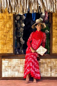 Robe Purotu Tahiti, Hawaiian Woman, Polynesian Designs, Island Wear, Diy Dress, Traditional Dresses, Playing Dress Up, African Fashion, Beautiful Dresses