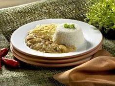 Sua origem é russa, Strogonov, mas o prato ficou muito popular no Brasil e no mundo. Diz a lenda que surgiu no século XVI, quando solda...