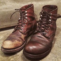 "「So fresh and so clean. Brown Shoe Cream and Mink revitalize this well worn pair of Do you prefer the ""rugged"" or the the ""near and tidy"" look? Red Wing Boots, White Boots, Red Wing Iron Ranger, Cheap Designer Shoes, Cream Shoes, Old Shoes, Mens Boots Fashion, Italian Shoes, Jeans And Boots"