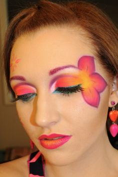 Hunger Games inspired makeup! love this but idk what it has to do with the hunger games