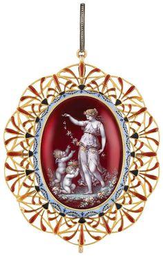 Antique Gold and Enamel pendant, Carlo Giuliano.