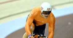 Za 21 okt 2017. EK baanwielrennen. Jeffrey Hoogland heeft bij de EK baanwielrennen in Berlijn genoegen moeten nemen met het zilver op de sprint. De 24-jarige sprinter uit Nijverdal moest in beide heats buigen voor de Fransman Sébastien Vigier.