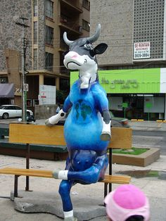 Sitting Cow at the Cow Parade in Guadalajara, Mexico, 2007 - photo by ego2005, via Flickr