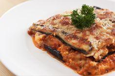 Porque este tipo de preparaciones siempre viene bien, aquí te enseñamos la receta de la una exquisita lasagna de berenjenas.