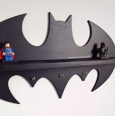 "Wooden shelf ""Batman"" (17,7 in x 9,5 in) + 3 hooks"