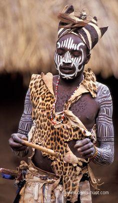 Africa | Kikuyu Dancer.  Kenya | ©Christine and Michel Denis Huot