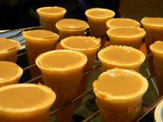 Recette Cornets au Sucre de Mémère Candy Recipes, Sweet Recipes, Dessert Recipes, French Recipes, Sugar Cones, Caramel Candy, Biscuit Cookies, Food Crafts, 20 Min