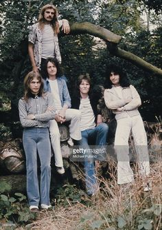 English progressive rock group Yes, United Kingdom, 1974. Left to right: guitarist Steve Howe, drummer Alan White (standing), singer Jon Anderson, bassist Chris Squire and Swiss keyboard player Patrick Moraz.