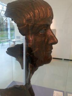 Nijmegen - Museum het Valkhof. Een bronzen kop van keizer Trajanus (98-117 na Chr), opgebaggerd bij Xanten - niet ver van Nijmegen over de Duitse grens. Foto: G.J. Koppenaal, 19/11/2014