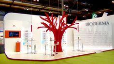 El stand Bioderma en #Infarma2012 Exhibition Display Stands, Exhibition Stall, Exhibition Booth Design, Exhibit Design, Pos Design, Signage Design, Event Design, Trade Show Booth Design, Display Design