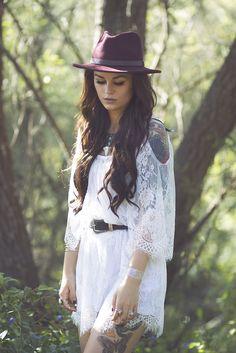 Lovely lace dress on blackfaun.com #boho #bohochic #bohemian #fashion #style #styleblogger #fashionblogger #blogger #freepeople #gypsy #wanderlust