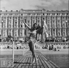 Bella Darvi in front of The Carlton 1956
