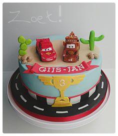 """Cars """"Lightning McQueen & Mater"""" cake"""
