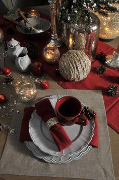 Świąteczna aranżacja stołu.