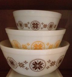 Vintage Pyrex Town & Country Mixing Bowls - 401, 402, 403