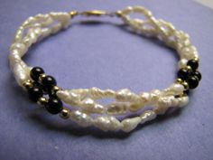 Vintage FreshWater Pearls and Black Gold Tone Bead Bracelet Jewellery Jewelry