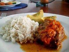 16 Deliciosas recetas de comida colombiana que puedes hacer en casa Healthy Fats, Healthy Choices, Colombian Food, Extreme Diet, Culinary Arts, What To Cook, Vegetable Dishes, Fruits And Vegetables, Cravings