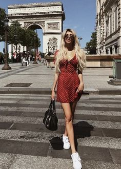 pinteeest: ˢᴴᴬᴺᴬᴱˢᵀᴴᴱᵀᴵᶜ_ - trend (S . Europe Outfits Summer, France Outfits, Europe Travel Outfits, Italy Outfits, Paris Outfits, Travel Outfit Summer, Europe Fashion, Paris Fashion, Spring Outfits