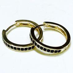 Cz Black Huggies Earrings 18kts Of Gold Plated